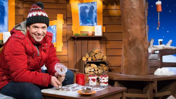 Juri stellt Schoko-Deko für sich und Singa her. | Rechte: KiKA/Tizian Hempel