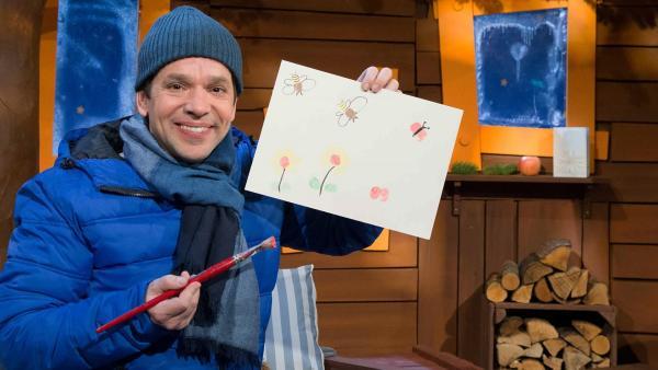 Juri malt Tiere mit Fingermalfarben. | Rechte: KiKA/Tizian Hempel