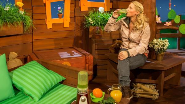 Singa feiert den Frühling. | Rechte: KiKA/Josefine Liesfeld