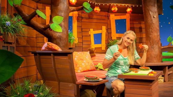 Singa sticht Melonensterne aus. | Rechte: KiKA/Vanessa Loos