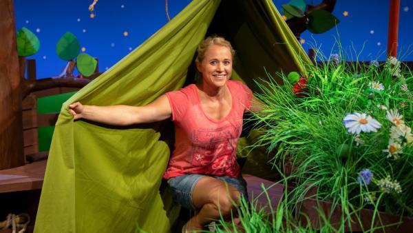 Singa erzählt vom Zelten. | Rechte: KiKA/Dorit Jackermeier