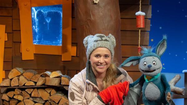 Fidi findet einen Partnerhandschuh. | Rechte: KiKA/Josefine Liesfeld