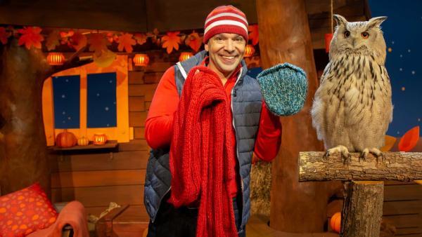 Juri erzählt von den Tieren im Winter. | Rechte: KiKA/Nadja Usbeck
