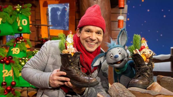 Juri und Fidi feiern Nikolaus. | Rechte: KiKA/Josefine Liesfeld