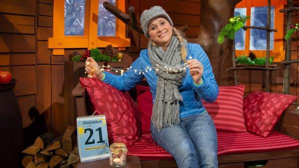Singa erklärt die Wintersonnenwende. | Rechte: KiKA/Josefine Liesfeld