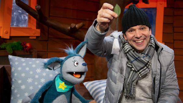 Fidi und Juri singen ein Winterlied. | Rechte: KiKA/Josefine Liesfeld