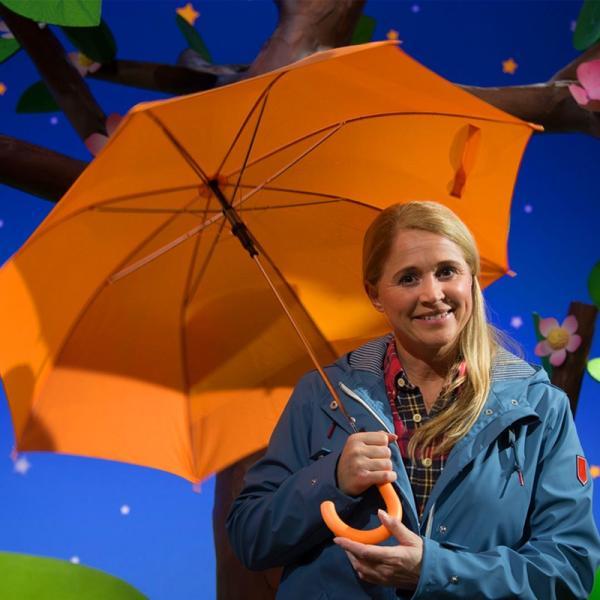 Singa im Regen.   Rechte: KiKA/Josefine Liesfeld
