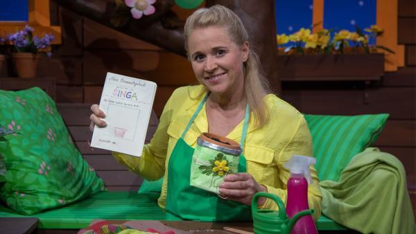 Singa und ihr Pflanzen-Beobachtungstagebuch | Rechte: KiKA/Josefine Liesfeld