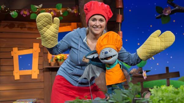 Singa und Fidi backen Cookies. | Rechte: KiKA/Josefine Liesfeld