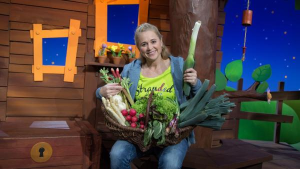 Singa hat Frühlingsgemüse gekauft. | Rechte: KiKA/Josefine Liesfeld