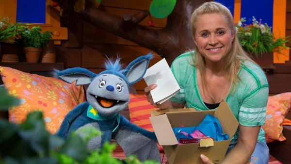 Singa, Fidi und ein Paket | Rechte: KiKA/Josefine Liesfeld