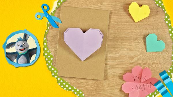 Herzen aus Papier falten | Rechte: KiKA