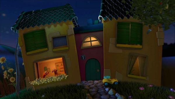 Jan und Henry schmieden im Fenster des Gute-Nacht-Hause  Pläne für morgen. | Rechte: KiKA