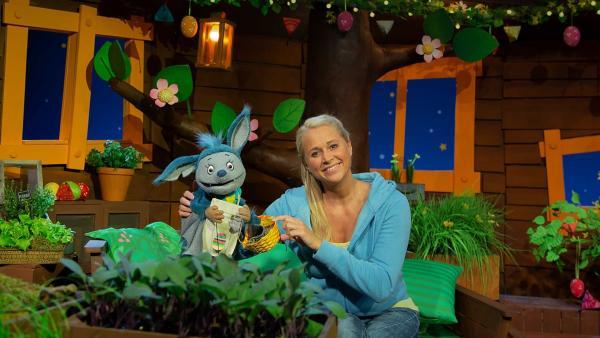 Singa und Fidi feiern Ostern. | Rechte: KiKA/Josefine Liesfeld