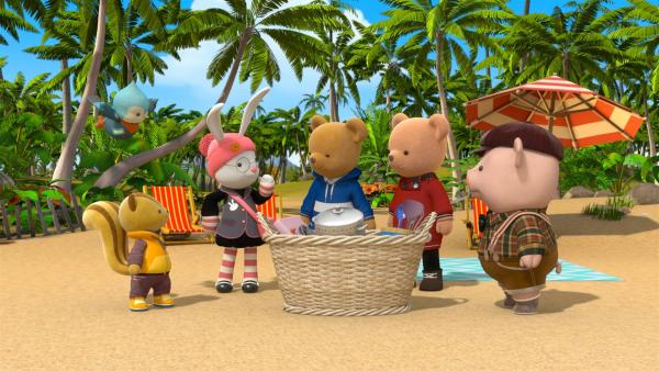 Millie verliert ihren Messbecher am Strand und muss wiedergefunden werden. | Rechte: BR/Enpop Co. Ltd.