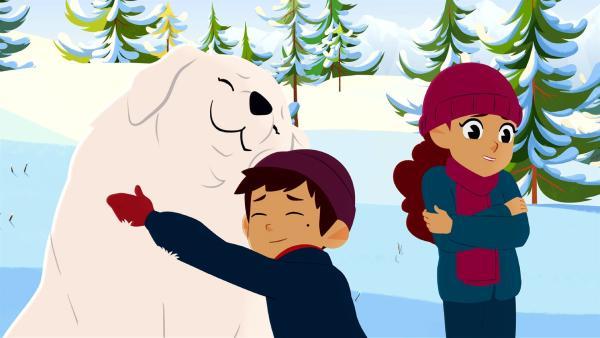 Belle (links) wird in letzter Sekunde gerettet. | Rechte: ZDF/Gaumont Animation/PP Animation III Inc.