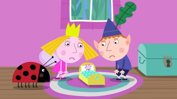 Hollys Zauberstab hat sich erkältet und muss das Bett hüten. | Rechte: ZDF/Astley Baker Davies Ltd/Rubber Duck Entertainment
