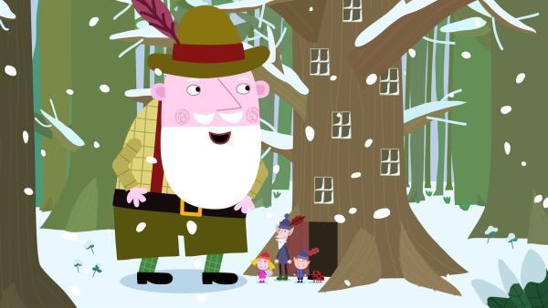 Der Weihnachtsmann taucht getarnt im kleinen Königreich auf um zu schauen, wie weit die Vorbereitungen für das Weihnachtsfest sind. | Rechte: ZDF/Astley Baker Davies Ltd/Rubber Duck Entertainment