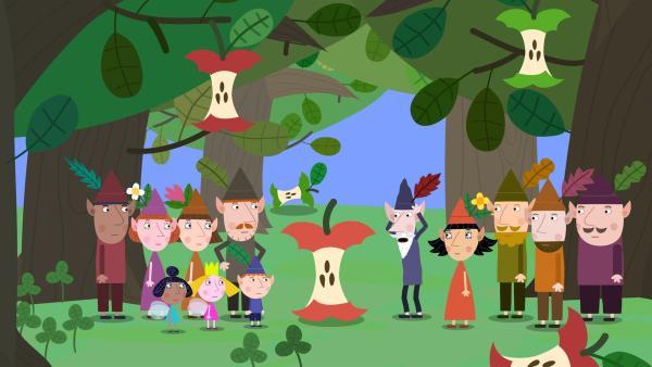 Jetzt sind neben den Erdbeeren auch noch alle Äpfel verspeist. Die Elfen sind ratlos. Wie sollen sie ohne Ernte ihr Erntedankfest feiern? | Rechte: ZDF/Astley Baker Davies Ltd/Rubber Duck Entertainment