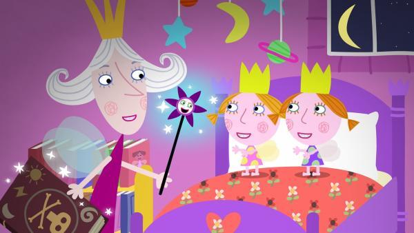 Oma Aurikel hat Spaß daran, mit den Zwillingen zu zaubern und gibt ihnen sogar ihren eigenen Zauberstab. | Rechte: ZDF/Astley Baker Davies Ltd/Rubber Duck Entertainment