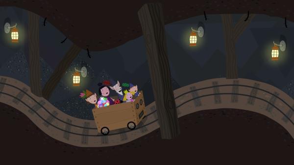 Der alte weise Elf (Mitte) begibt sich gemeinsam mit Nanny Plum (2. von links), Mrs. Elf (links) und Ben und Holly (vorne) ins Bergwerk.   Rechte: ZDF/Astley Baker Davies Ltd/Rubber Duck Entertainment