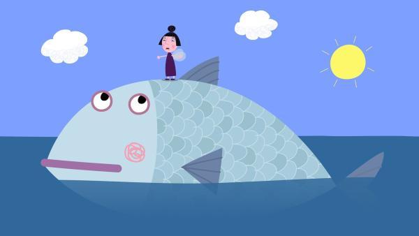 Statt auf einer Insel ist Nanny Plum auf einem Fisch gelandet. Dummerweise hält der sie aber für eine Fliege. | Rechte: ZDF/Astley Baker Davies Ltd/Rubber Duck Entertainment