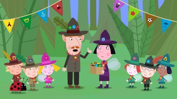 Nanny Plum will den Pfadfinder-Kindern Abzeichen verleihen, ohne dass sie dafür etwas tun mussten. Mr. Elf ist empört. | Rechte: ZDF/Astley Baker Davies Ltd/Rubber Duck Entertainment