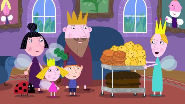 Die Königin bitte ihren Mann, Nanny Plum, Ben und Holly ihre Kekse und ihren Kuchen zu versuchen. Dummerweise sind alle Sorten ungenießbar.   Rechte: ZDF/Astley Baker Davies Ltd/Rubber Duck Entertainment