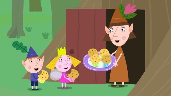 Ben und Holly freuen sich über die Muffins, die sie gebacken haben. | Rechte: ZDF/Astley Baker Davies Ltd/Rubber Duck Entertainment