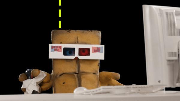 Für Bernd öffnet sich eine neue Dimension. Er taucht tief ein in die Welt der Computerspiele. Für sein Gefühl zu tief. Sehr schnell wird ihm klar, dass ein Kastenbrot im Umgang mit dem Joystick chancenlos ist, vor allem im Multiplayermodus mit gestandenen und bekannten Gesichtern aus der Gaming-Szene. Mist.   Rechte: KiKA/bumm film München GmbH