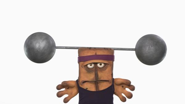 Bernd wird in Sachen Fitness getestet und wundert sich, warum sich sein Kopf so schwer anfühlt.   Rechte: KiKA/bumm film