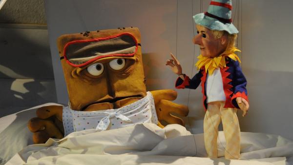 Das Kasperl aus der Augsburger Puppenkiste stört Bernds verdiente Nachtruhe | Rechte: KiKA/Christiane Pausch