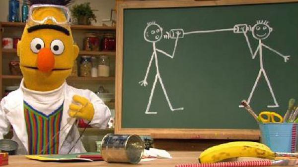 Bert hat ein Dosentelefon gebaut.   Rechte: NDR Foto: Screenshot