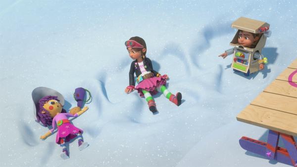 In den schneebedecken Bergen treffen die Geschwister die Ziegenhirtin Fleur. | Rechte: KiKA/BBC/Boat Rocker Rights Inc. MMXVIII
