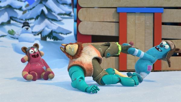 Die kleinen Bären lassen ihrem Betreuer Bevel keine Ruhe. | Rechte: KiKA/BBC/Boat Rocker Rights Inc. MMXVIII