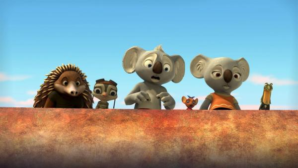 Blinky und seine Freunde brauchen dringend einen genialen Einfall, wie sie Miss Tibbins vor den hungrigen Krokodilen am Fuße der Felsen retten können.   Rechte: KiKA/Studio 100 Media / Flying Bark