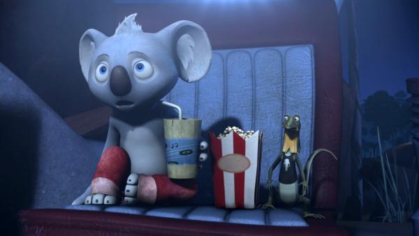 Blinky und Jacko sehen sich bei Wombo einen echt gruseligen Film an. | Rechte: KiKA/Studio 100 Media / Flying Bark