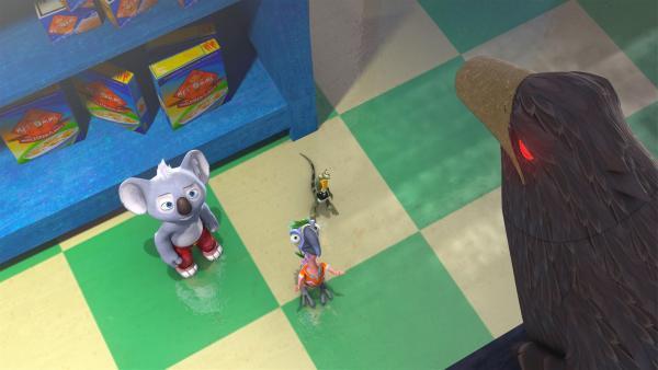 Pablo zeigt Blinky und Jacko die kaputte Überwachungskamera, die Jacko für einen echten Raben hält.    Rechte: KiKA/Studio 100 Media / Flying Bark