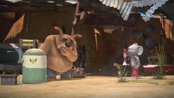 Blinky und Jacko halten Wombos Waschmaschine für eine Zeitmaschine. | Rechte: KiKA/Studio 100 Media/Flying Bark