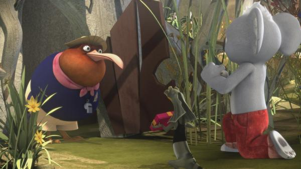 Mit Blumen und Geschenken versuchen Blinky, Jacko und die anderen, Miss Tibbins zur Rückkehr zu bewegen.  | Rechte: KiKA/Studio 100 Media / Flying Bark