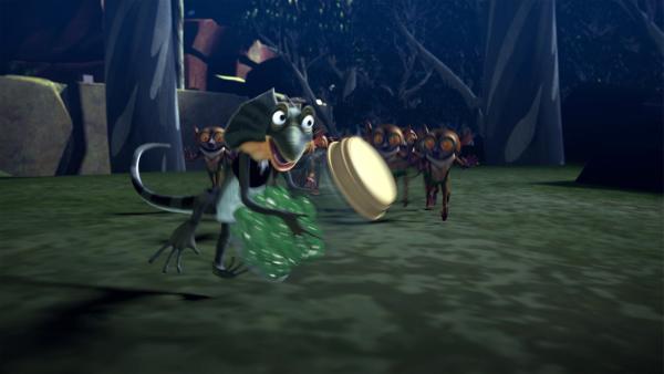 Die Lemuren, die von Blinky und Jacko für Außerirdische gehalten werden, verfolgen Jacko und wollen seine grünen Bonbons. | Rechte: KiKA/Studio 100 Media / Flying Bark