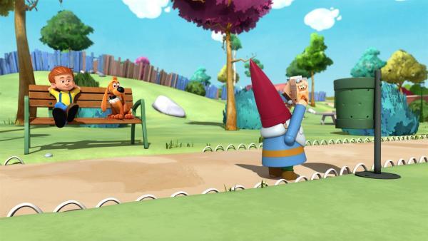 Bobby und Bill finden Gefallen an Georg, dem Roboterzwerg.   Rechte: NDR/Studio Boule et Bill