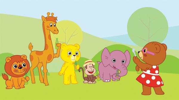 Der kleine Bär Bummi (3.v.li.) und seine Freunde: die Bärin Binchen, das Äffchen Yam Yam, die Giraffe Malia, Löwe Eddie, Elefant Tutu erleben jeden Tag aufregende Abenteuer. | Rechte: KiKA/Studio-88 Werbe- und Trickfilm GmbH