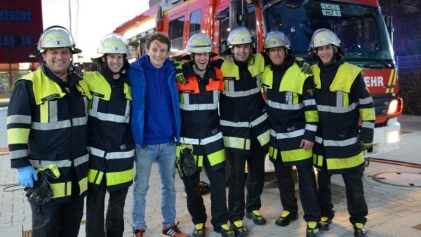 Der Erste Hilfe-Check | Checker Julian ist bei der Feuerwehr München und checkt, wie sie Erste Hilfe leisten - zum Beispiel bei einem Verkehrsunfall. | Bild: BR |  megaherz filmproduktion gmbh - Martin Huber | Rechte: BR |  megaherz filmproduktion gmbh - Martin Huber