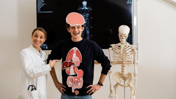 Der Organe-Check / Im Klinikum Rechts der Isar trifft Julian Ärztin Anna. | Bild: BR / megaherz GmbH | Rechte: BR / megaherz GmbH