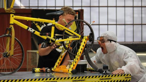 Eine Fahrradfütterungsmaschine | Rechte: ZDF