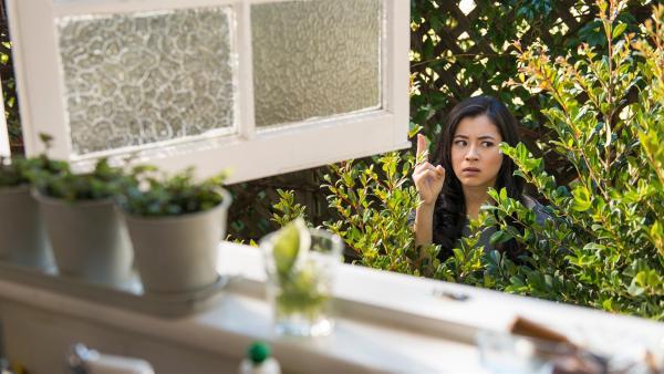 Kyra (Kimie Tsukakoshi) versucht, mithilfe ihrer magischen Kräfte von einem Ort zum anderen zu springen. Leider landet sie nicht immer da, wo sie hin wollte. | Rechte: ZDF/Jonathan M. Shiff Productions/Screen Queensland