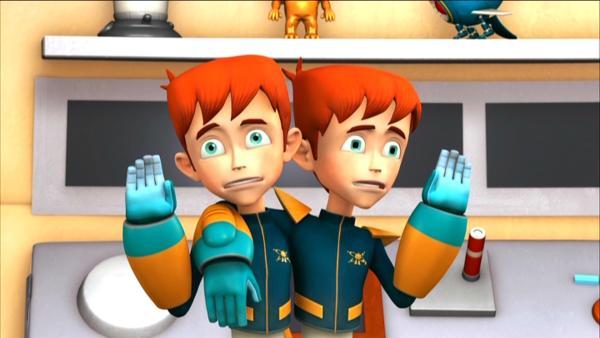 Buckingham konstruiert einen Roboter-Doppelgänger, der Robbie in der Schule vertreten soll. | Rechte: KiKA/HR/Taffy Productions LLC