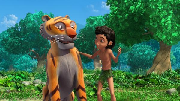 Shir Khan, der sich wie ein Baby verhält, wird von Mogli trainiert. Mogli will aus ihm wieder einen mutigen Tiger machen. | Rechte: ZDF/DQ Entertainment