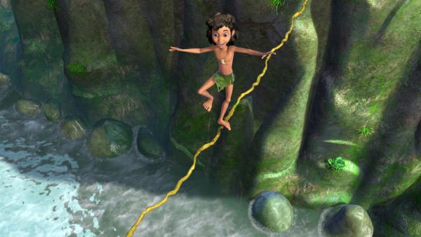 Mogli versucht auf einem Seil das Wasser zu überqueren. Ob das gut geht? | Rechte: ZDF/DQ Entertainment